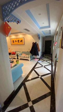 (凤泉区)绿茵河畔3室2厅1卫124m²精装修