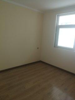 3室1厅1卫80m²精装修