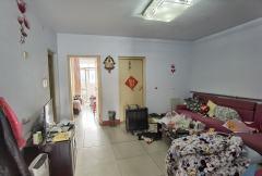 红旗区 东大街西圪垱 3室2厅1卫 51万 94m²简装 南北通透 两卧朝南 两室通大阳台